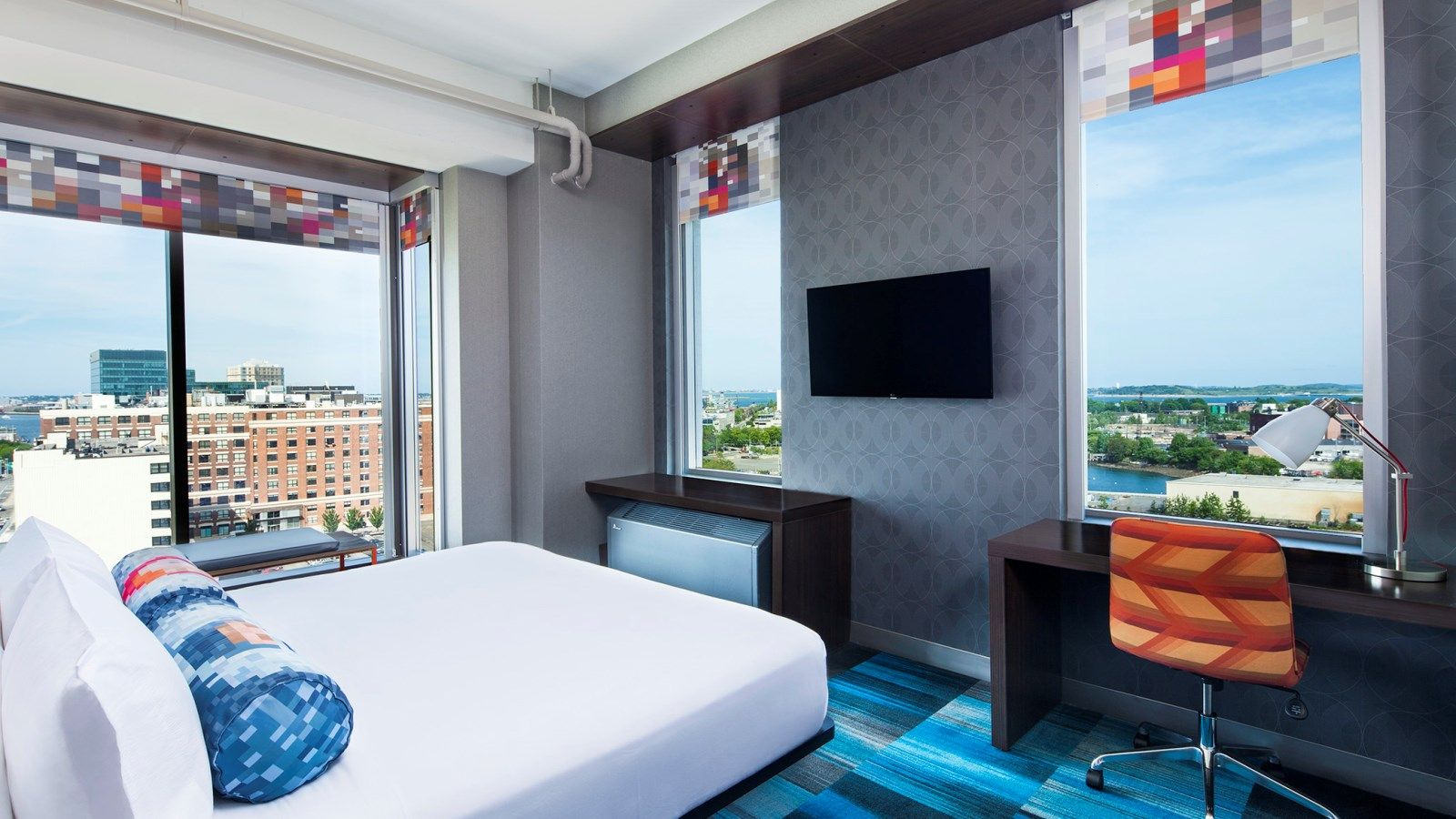 Seaport Boston Accommodations - Aloft Savvy Room
